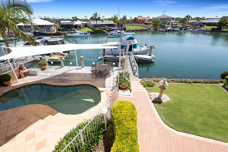 8 Compass Crt, Raby Bay