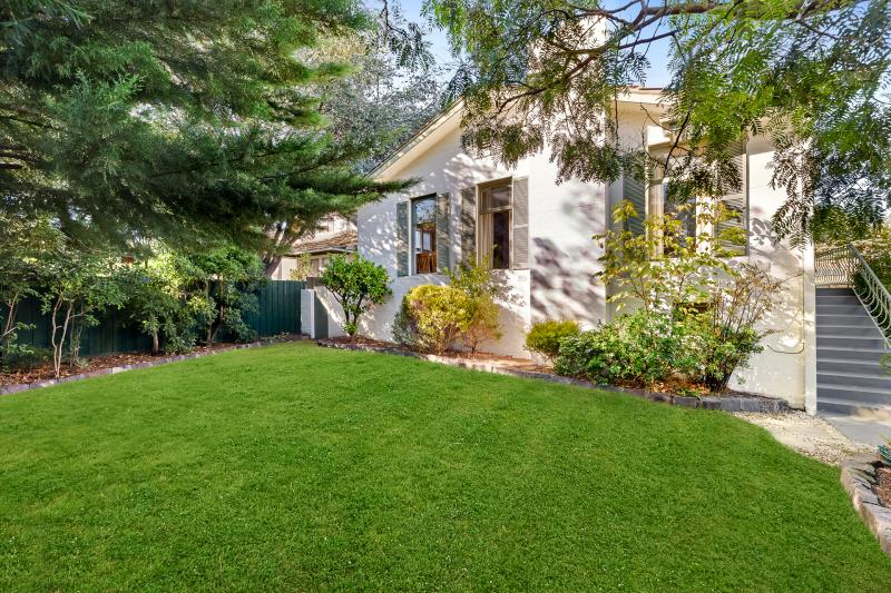 1/796 Riversdale Road, Camberwell