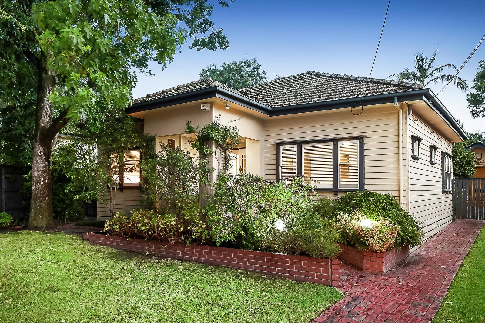 12 Glen Ebor Avenue Blackburn Vic 3130 House For Sale