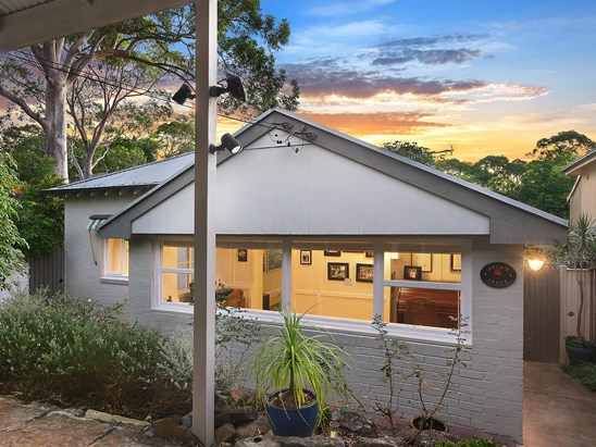 Auction, price  guide $1,800,000