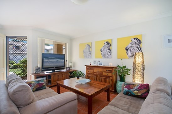 Price Guide $329,000-$349,000 (under offer)