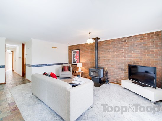 $265,000 to $275,000 (under offer)