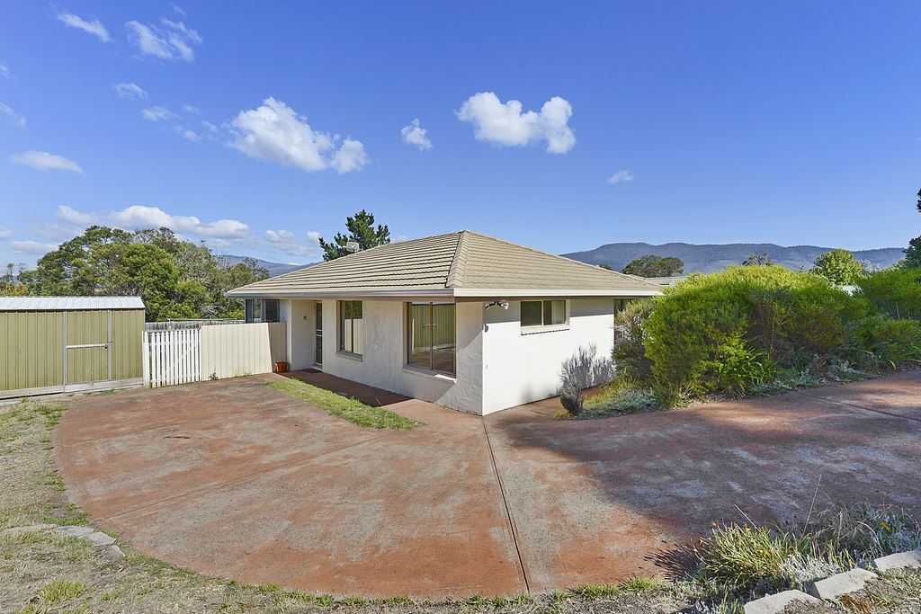 8 Sandstone Place, Old Beach
