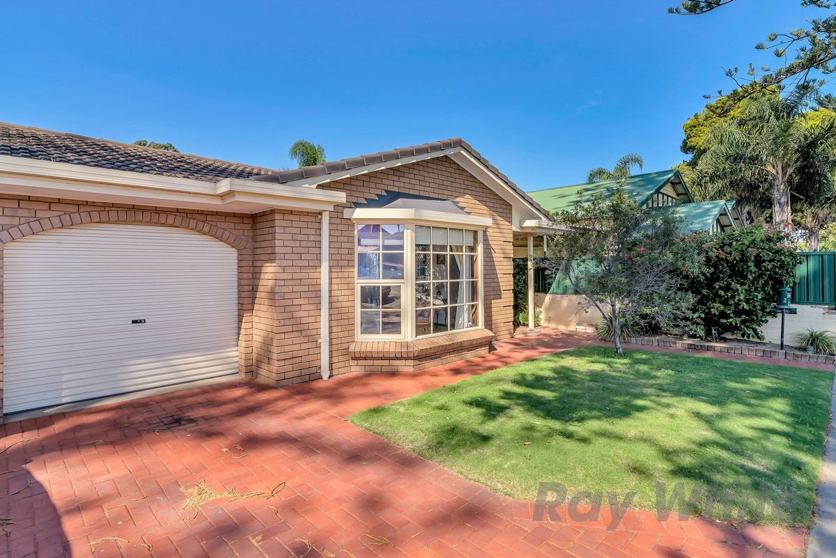 2/124 Partridge Street, Glenelg South