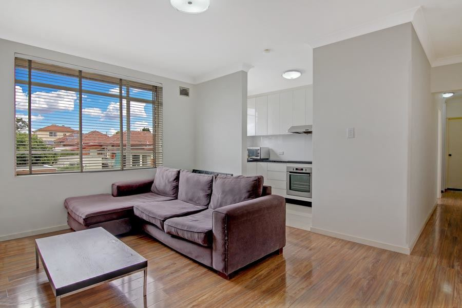 8/379 King Georges Rd, Beverly Hills
