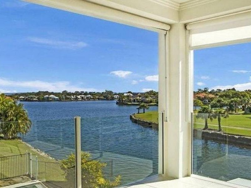 2 Waterfront Court, Twin Waters