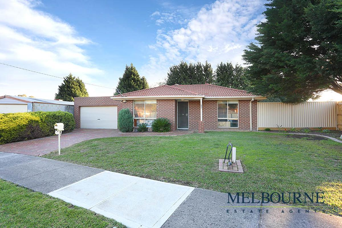 23 Dransfield Way, Epping