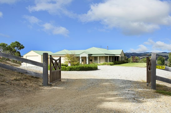 REDUCED NOW $800,000 - $850,000 (under offer)