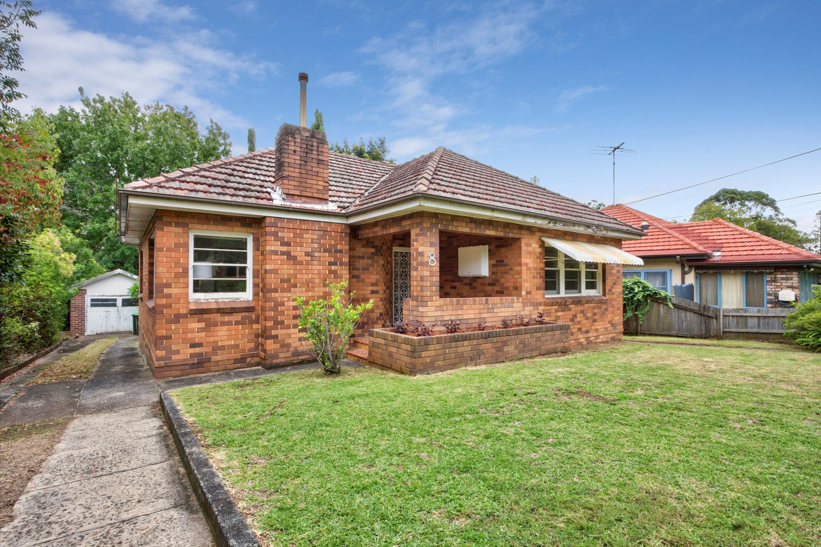 8 Oakes Ave, Eastwood