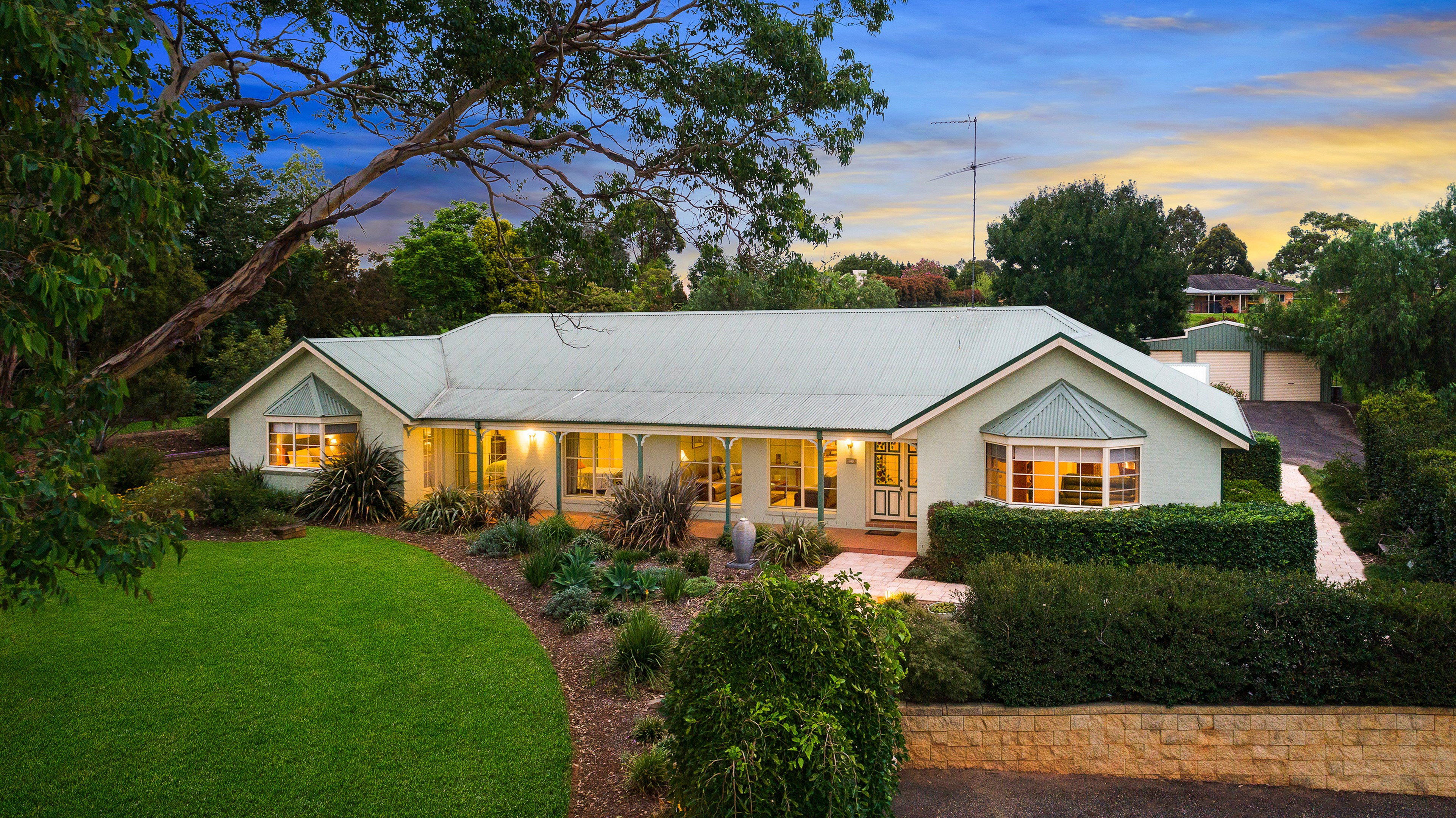 21 WILLOUGHBY CIRCUIT, Grasmere