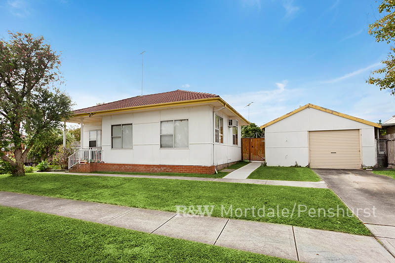 8 Salt Pan Road, Peakhurst