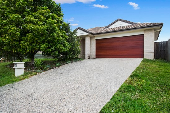 Offers over $329K (under offer)