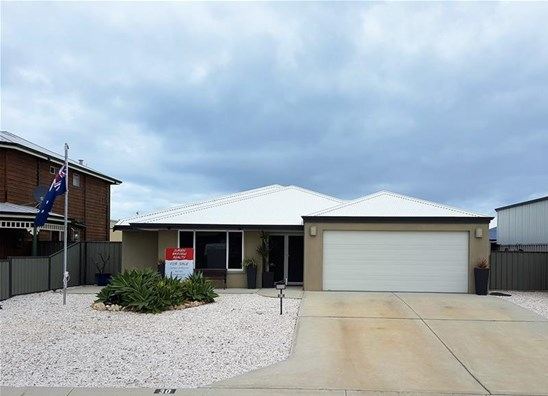 SOLD by JURIEN BAYVIEW REALTY (under offer)