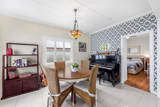 Owner will look at all offers over $545,000