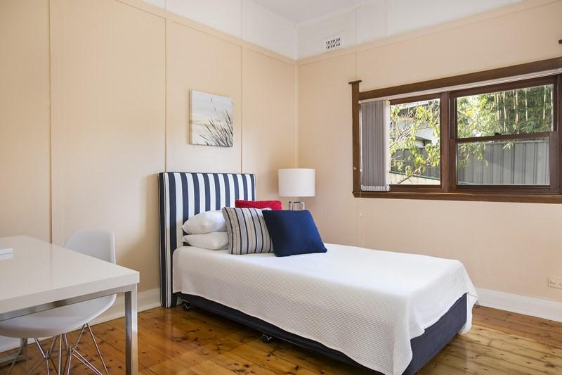 2 Western Avenue, Mangerton NSW 2500