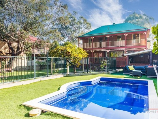 Offers from $900,000 (under offer)