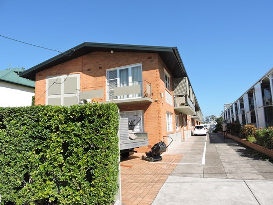 $285,000 reduced for immediate sale (under offer)