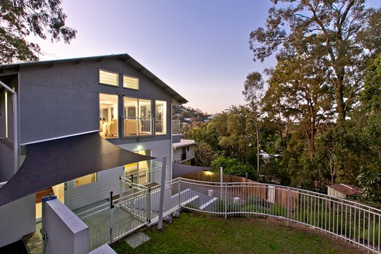 mid $800k buyers must inspect (under offer)