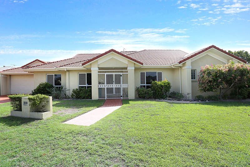 REDUCED Offers over $585,000