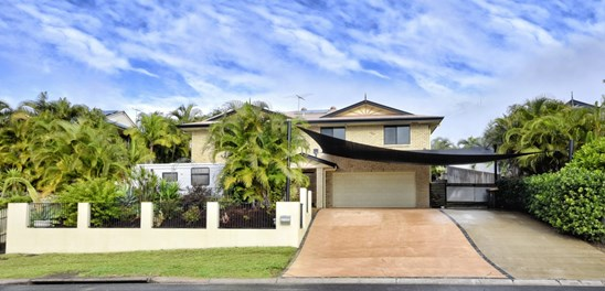 Offers over $595,000