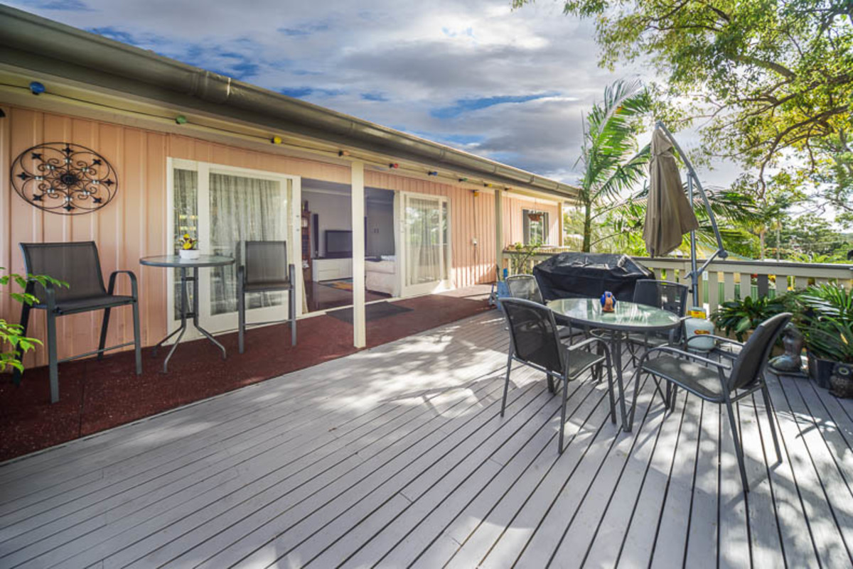 offers over $549,000 (under offer)