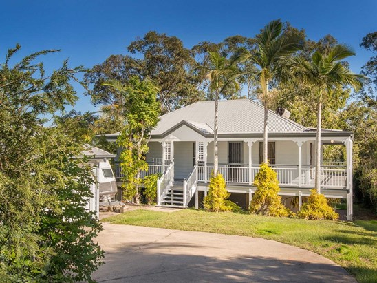 Offers over $590,000 (under offer)
