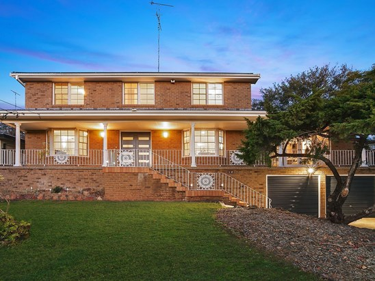 Auction, price  guide $1,380,000