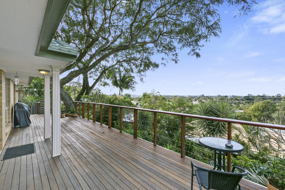1/106 Explorers Way, Highland Park QLD 4211, Image 0