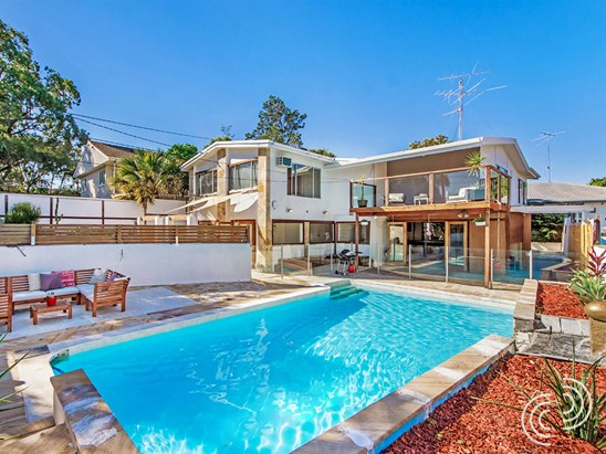 Offers over $780,000