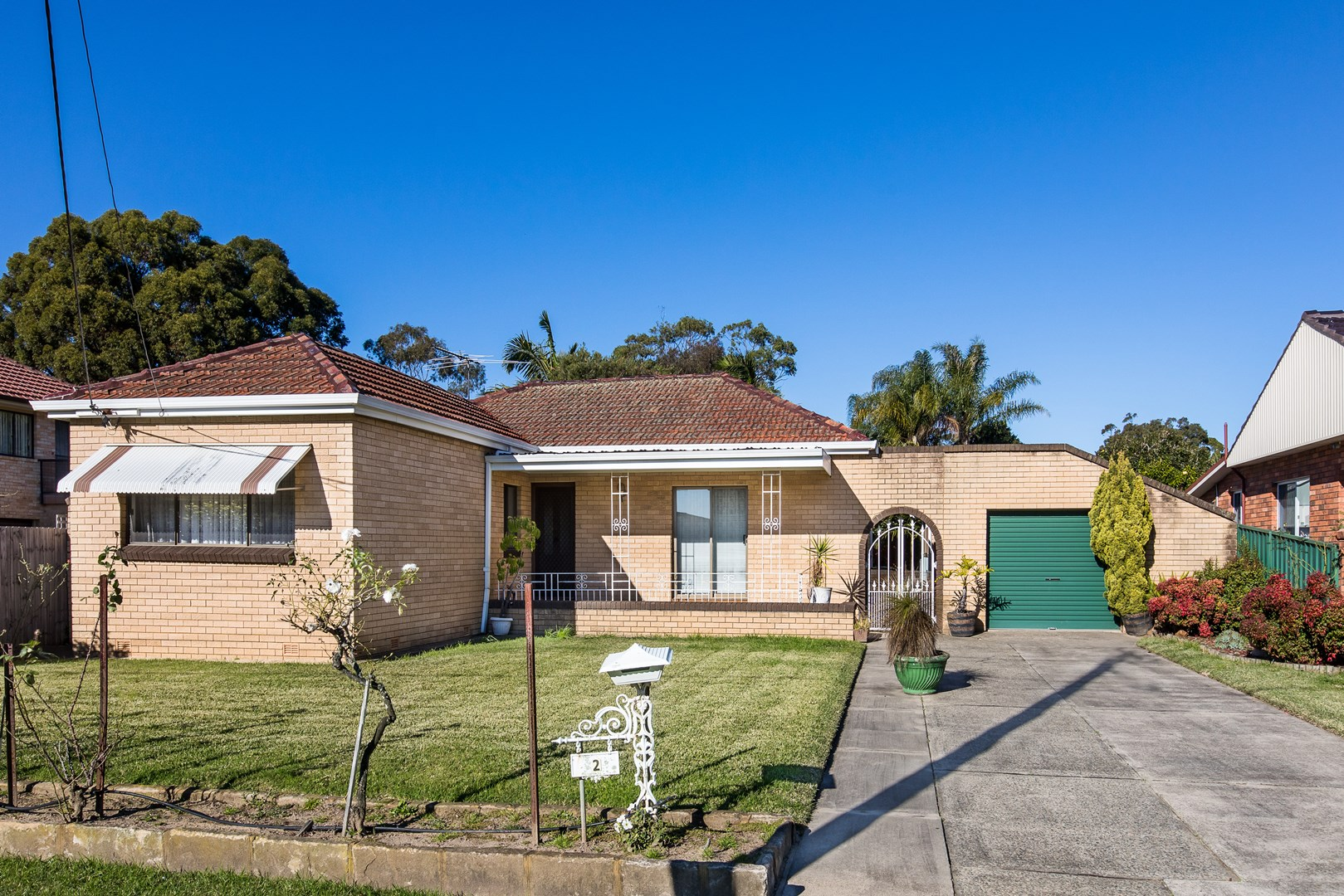 2 Frobisher Avenue Caringbah Nsw 2229 House For Sale