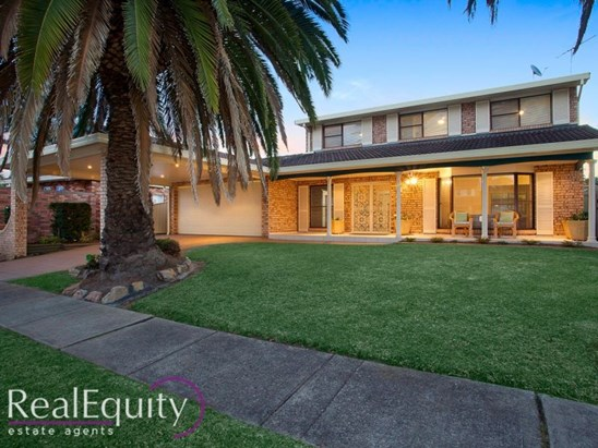 Undeniably Rare on 826sqm in a Blue Ribbon Lakeside Location (under offer)
