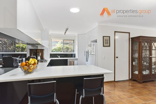 Offers over $309,000 (under offer)