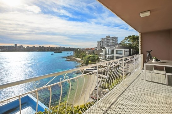 11 Addison Road, Manly