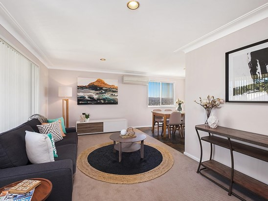 Auction, price  guide $440,000  - $480,000