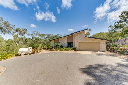Offers over $499,000 considered (under offer)