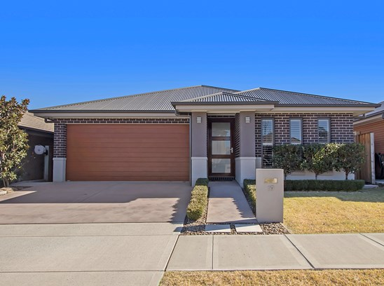 Fixed price of $820,000 (under offer)