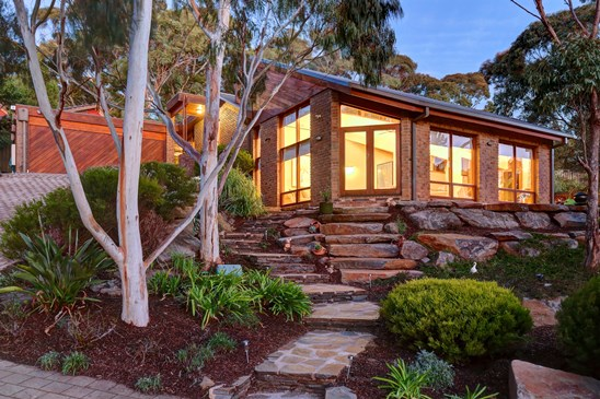 $845,000-$890,000 - Offers Closing Mon 28/8