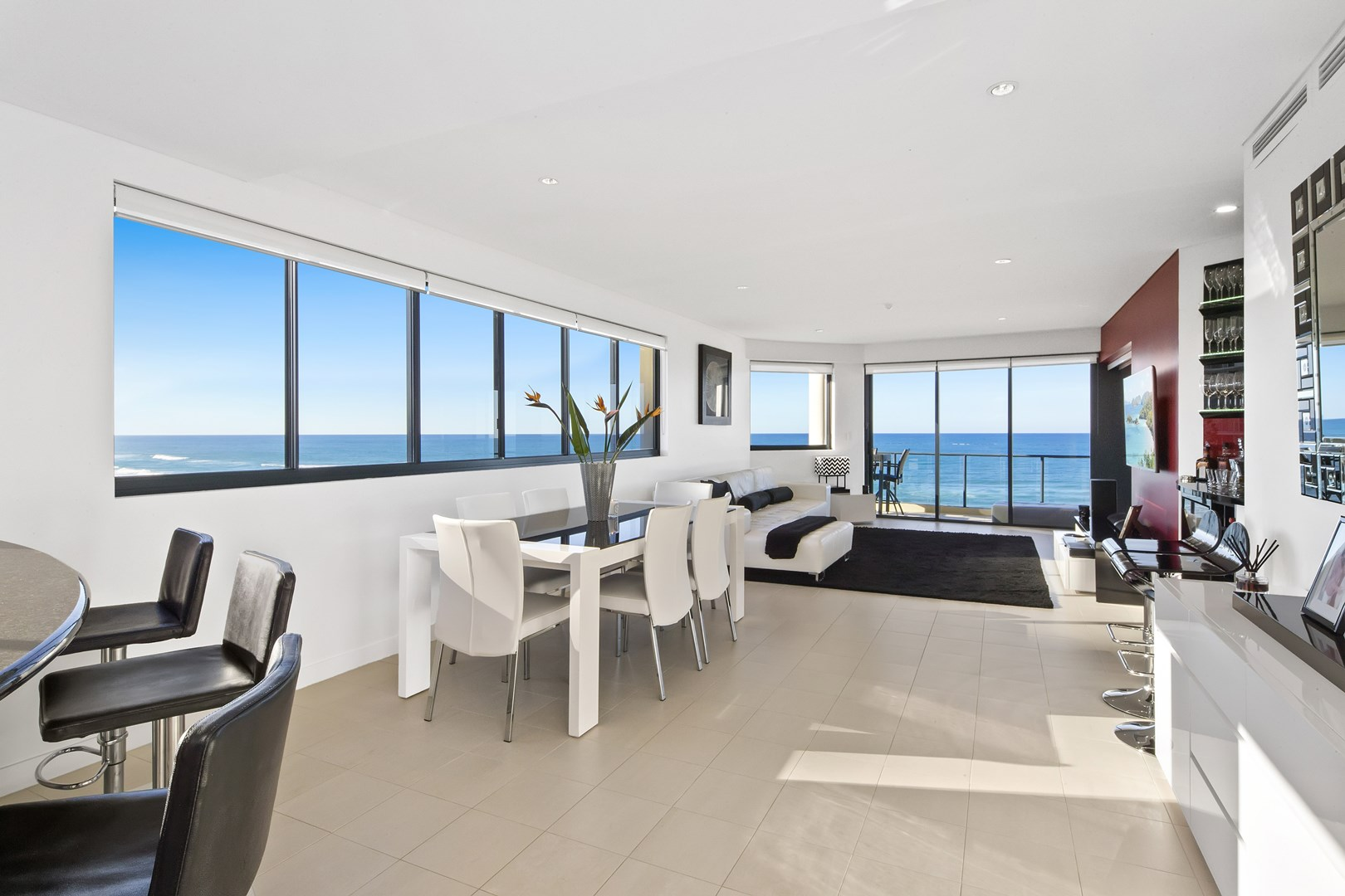 5 1285 gold coast highway palm beach qld 4221 apartment for Beach house designs gold coast
