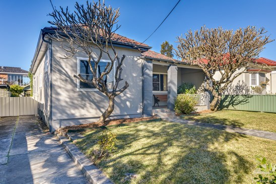 AUCTION - Price Guide $730,000