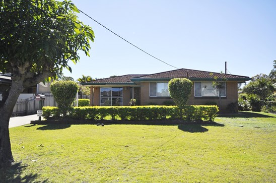 OFFERS OVER $470,000 (under offer)