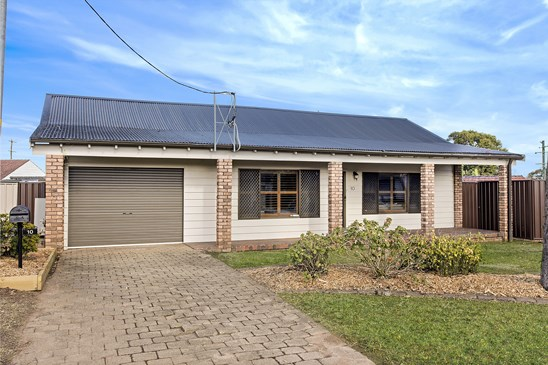 AUCTION l Price Guide $660,000 to $720,000