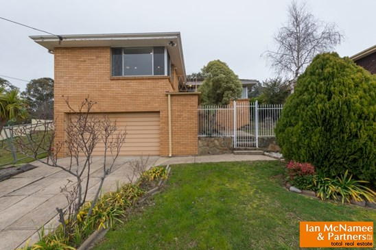 25 Early Street, Crestwood