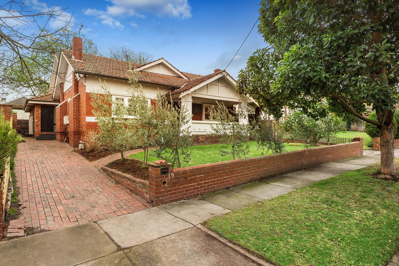 19 Rossfield Avenue, Kew VIC 3101, Image 0