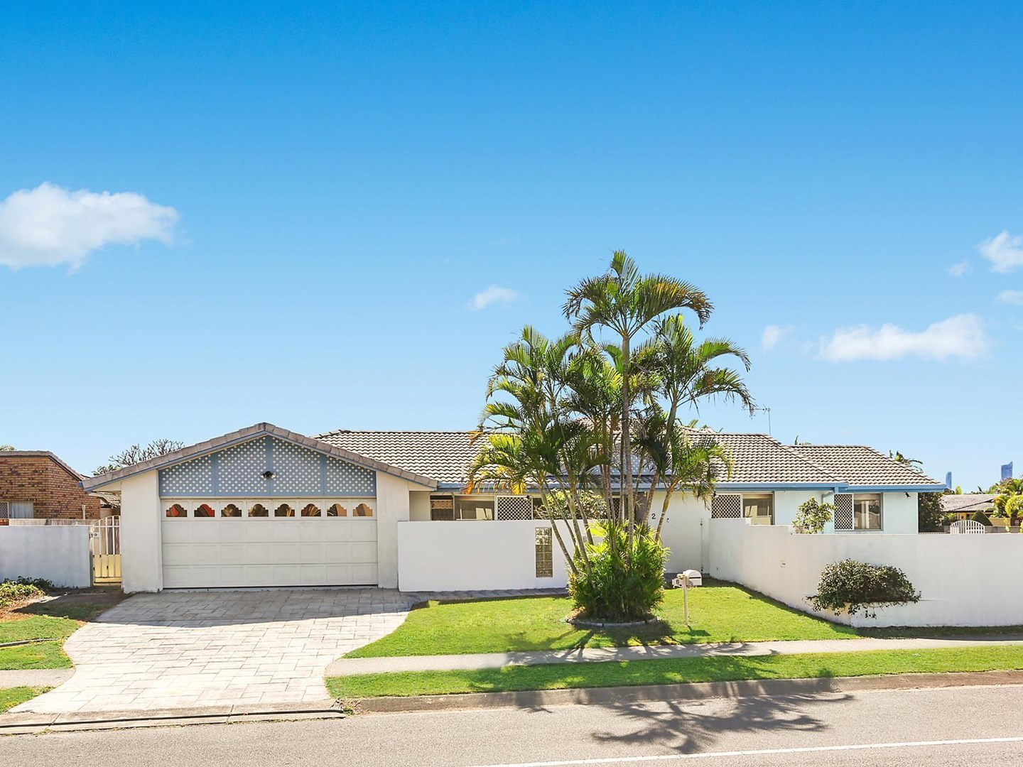 2 Montserrat Court, Clear Island Waters QLD 4226, Image 0