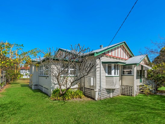 Offers Over $860,000