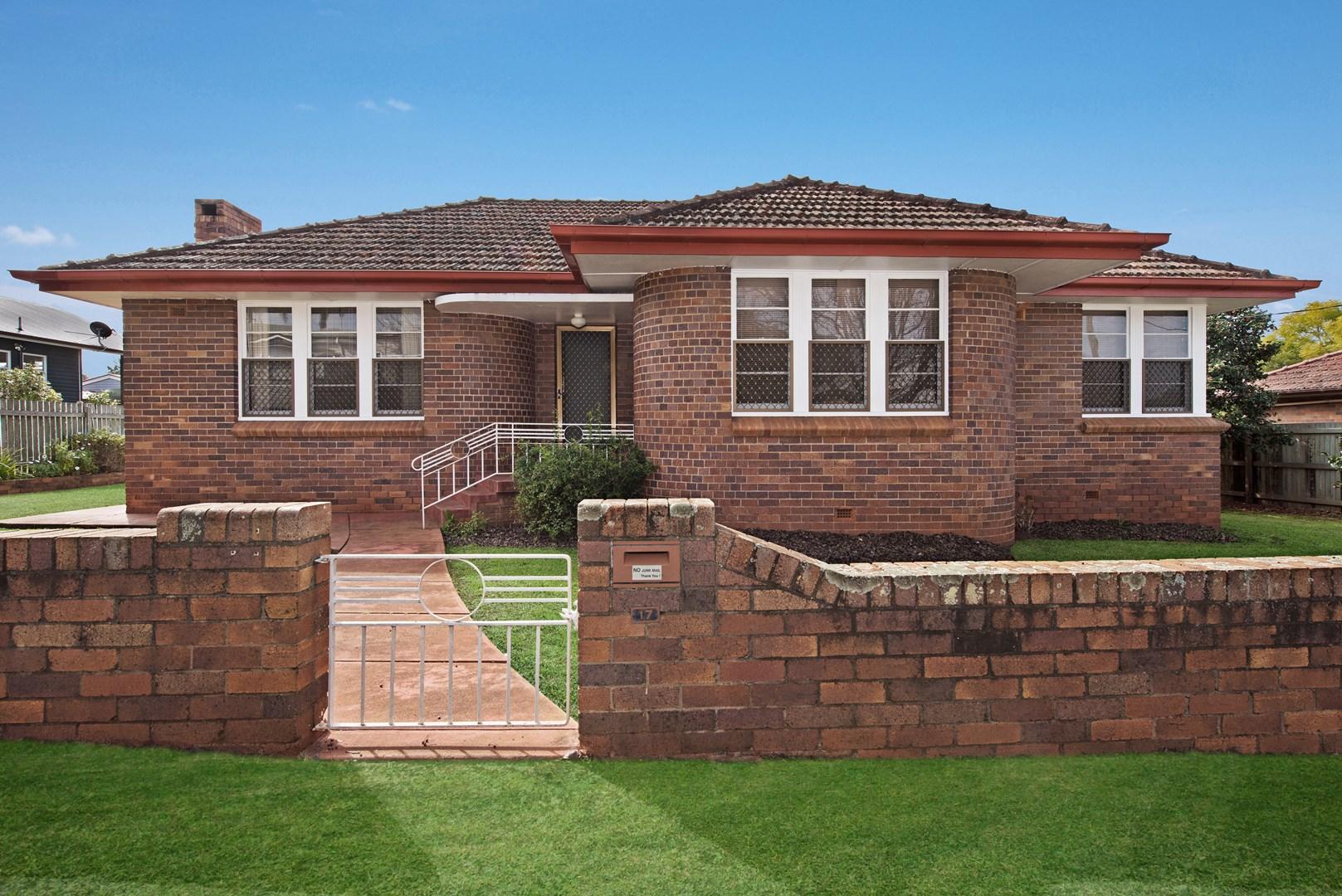 17 Henderson Street, Newtown QLD 4350, Image 0