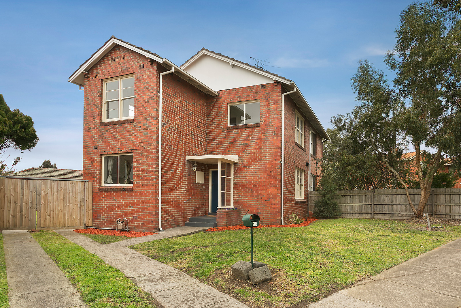 Private Sale $920,000 (under offer)