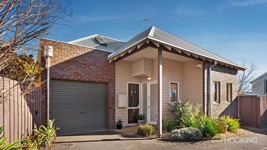 7 Ellery Lane, Williamstown