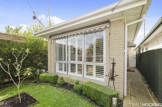 4 Vine Street, West Footscray