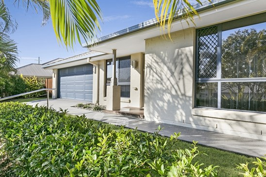 Offers over $569,000!